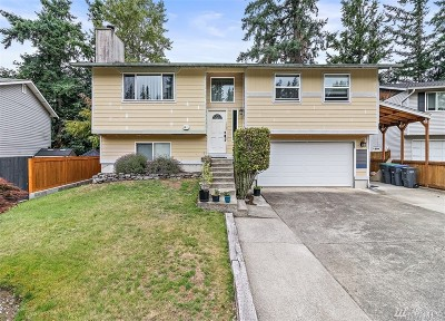 Maple Valley Single Family Home For Sale: 26407 233rd Ave SE