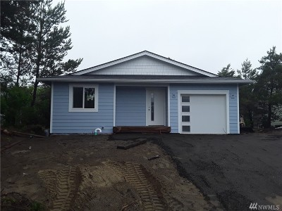 Grays Harbor County Single Family Home For Sale: 280 Captains Ct SW