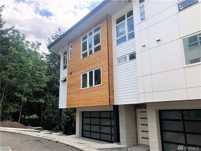 Bellevue Condo/Townhouse For Sale: 4039 129th Place SE (Unit 23)