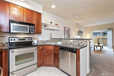 King County Condo/Townhouse For Sale: 7322 Rainier Ave S #203