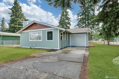 Spanaway Single Family Home For Sale: 246 167th St S