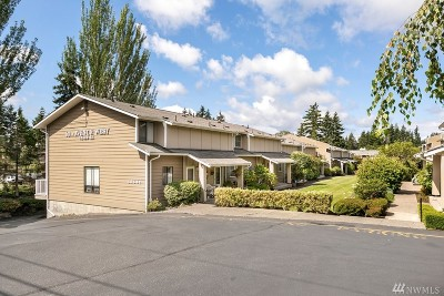 Lynnwood Condo/Townhouse For Sale: 18530 52nd Ave W #D4