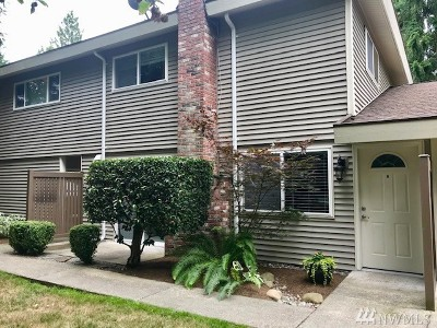 Bothell Condo/Townhouse For Sale: 424 214th St SW #24B