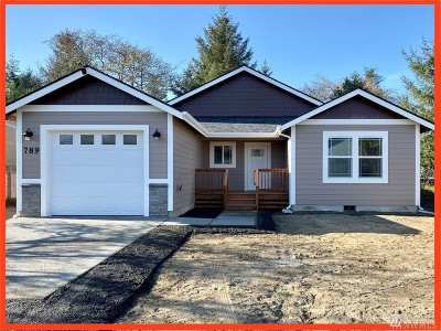 Grays Harbor County Single Family Home For Sale: 789 Island Cir SE