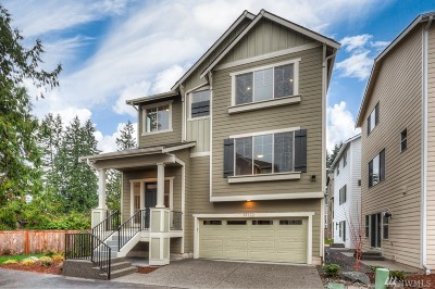 Bothell Condo/Townhouse For Sale: 19722 Meridian Place W #24