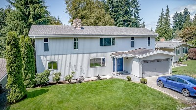 Everett Single Family Home For Sale: 322 E View Ridge Dr