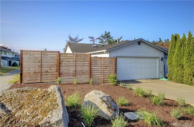 Anacortes Condo/Townhouse Pending: 5901 Sands Wy #A