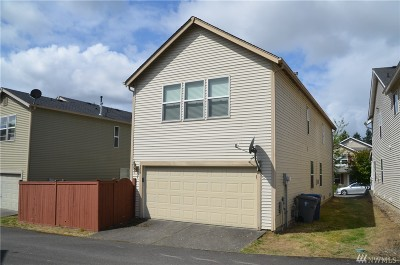 Renton Single Family Home For Sale: 254 Ferndale Ct NE