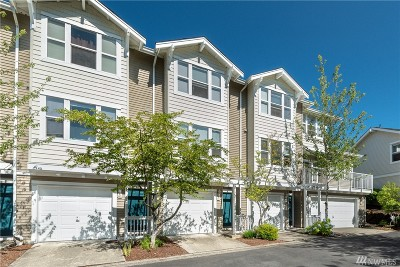 Bellevue Condo/Townhouse For Sale: 2680 139 Ave SE #62