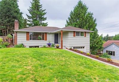 Shoreline Single Family Home For Sale: 813 NE 151st St