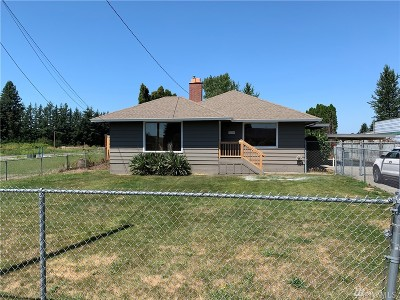 Enumclaw Single Family Home For Sale: 24706 SE 448th St