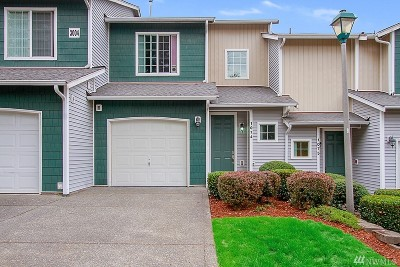 Renton Condo/Townhouse For Sale: 3004 SE 12th St #E1074