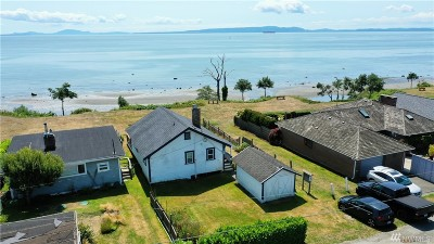 Point Roberts WA Single Family Home For Sale: $449,000