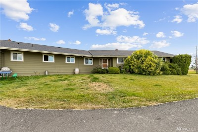 Bellingham Single Family Home For Sale: 368 W Smith Rd