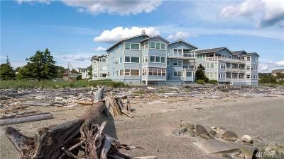 Condo/Townhouse For Sale: 651 SE Bayshore Dr #E101