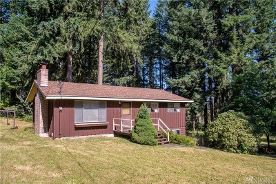 Maple Valley Single Family Home For Sale: 18415 SE Lake Francis Rd