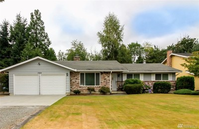 Enumclaw Single Family Home Contingent: 23616 SE 473rd St