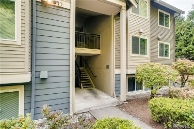 Bothell Condo/Townhouse For Sale: 19410 Bothell Wy NE #D-204