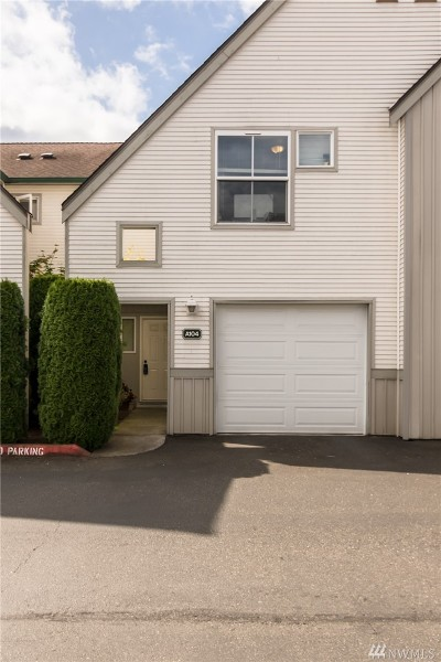 Kent Condo/Townhouse For Sale: 6711 S 239th Place #A104
