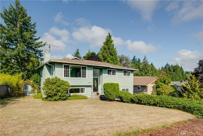 Brier Single Family Home Contingent: 22392 32nd Ave W