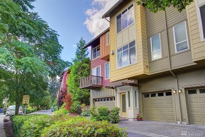 Issaquah Condo/Townhouse For Sale: 121 Cougar Ridge Rd NW