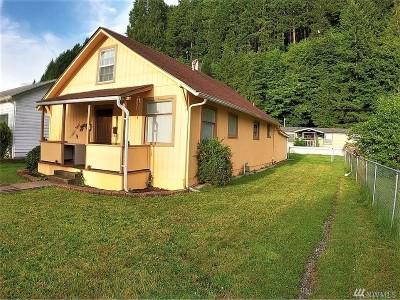 Centralia Single Family Home For Sale: 418 S Buckner St