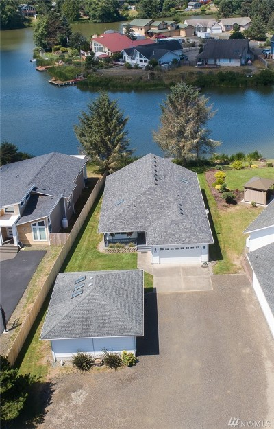 Grays Harbor County Single Family Home For Sale: 365 Eagles Nest Ct SE