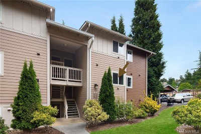 Woodinville Condo/Townhouse For Sale: 14014 NE 181st Place NE #D204