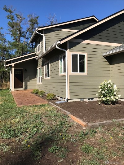 Yelm Single Family Home For Sale: 16408 Railway Rd SE