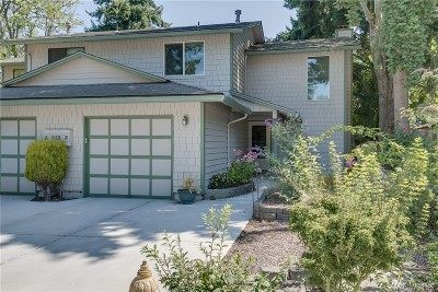 Bellevue Condo/Townhouse For Sale: 812 142nd Place SE #B