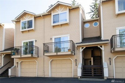 Woodinville Condo/Townhouse For Sale: 12727 NE 171st Lane #2727