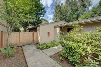 Kirkland Condo/Townhouse For Sale: 10032 NE 138th Place #M2