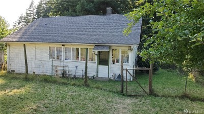 Shelton Single Family Home For Sale: 201 Oak St