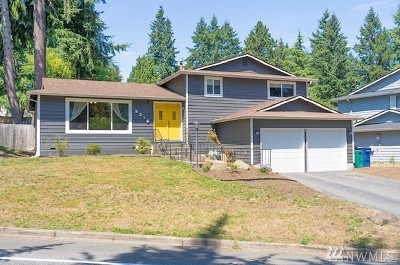 Kirkland Single Family Home For Sale: 9216 NE 134th St