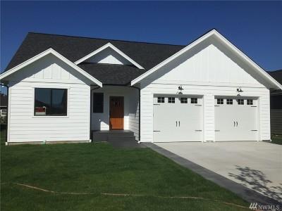 Lynden Single Family Home For Sale: 2121 Ninebark St