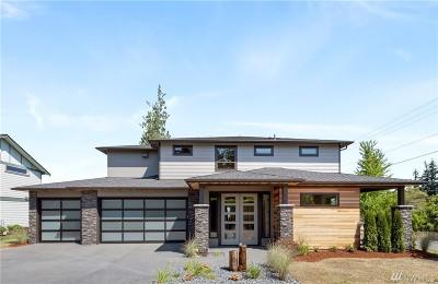 Everett Single Family Home Contingent: 4620 Seahurst Ave