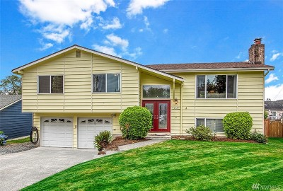 Lynnwood Single Family Home For Sale: 3602 201st Place SW