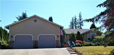 Maple Valley Single Family Home For Sale: 25201 Lake Wilderness Country Club Dr SE