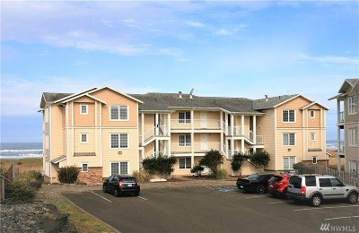 Grays Harbor County Condo/Townhouse For Sale: 1600 Ocean #113