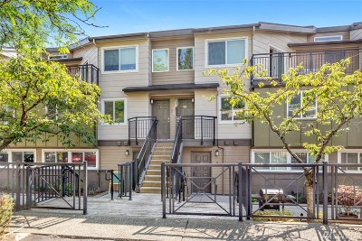 Redmond Condo/Townhouse For Sale: 15821 NE Leary Wy #C126