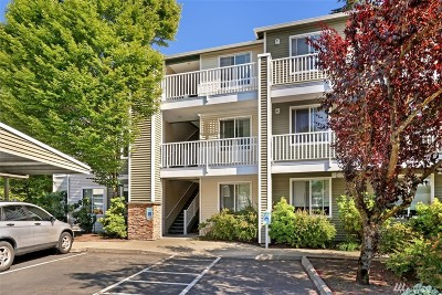 Everett Condo/Townhouse For Sale: 12530 Admiralty Way #G301