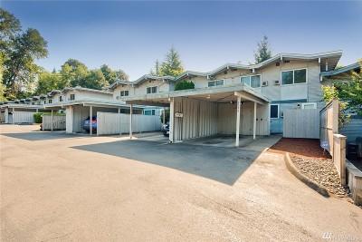 Des Moines Condo/Townhouse For Sale: 2093 S Kent Des Moines Rd