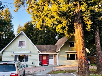 Lynnwood Multi Family Home For Sale: 1723 202nd St SW