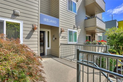 Seattle Condo/Townhouse For Sale: 3926 1st Ave NE #25