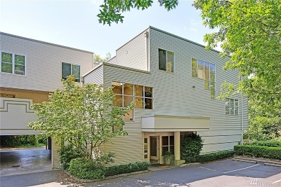 Bellevue Condo/Townhouse For Sale: 10237 SE 3rd St #1