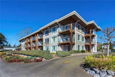 Birch Bay Condo/Townhouse For Sale: 8075 Harborview Rd #304