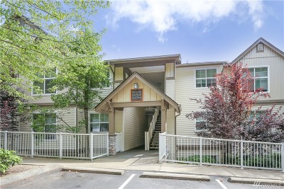 Issaquah Condo/Townhouse For Sale: 23420 SE Black Nugget Rd #D104