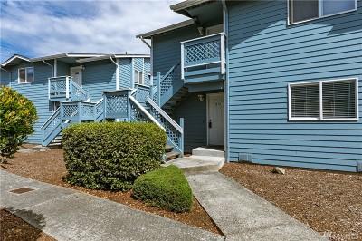 Condo/Townhouse For Sale: 537 NE Ellis Wy #B101