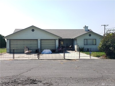 Moses Lake Single Family Home For Sale: 4950 Bluff Dr NE