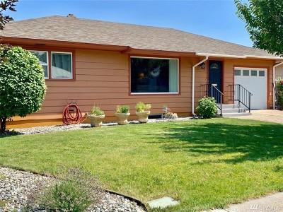 Wenatchee Single Family Home For Sale: 415 Ramona Ave